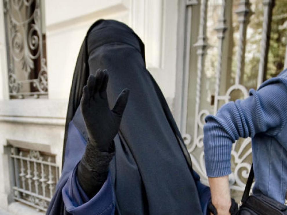 """La tetigo del burka dice que la polémica """"es de ignorantes"""" y se despide con """"Alá es grande"""""""