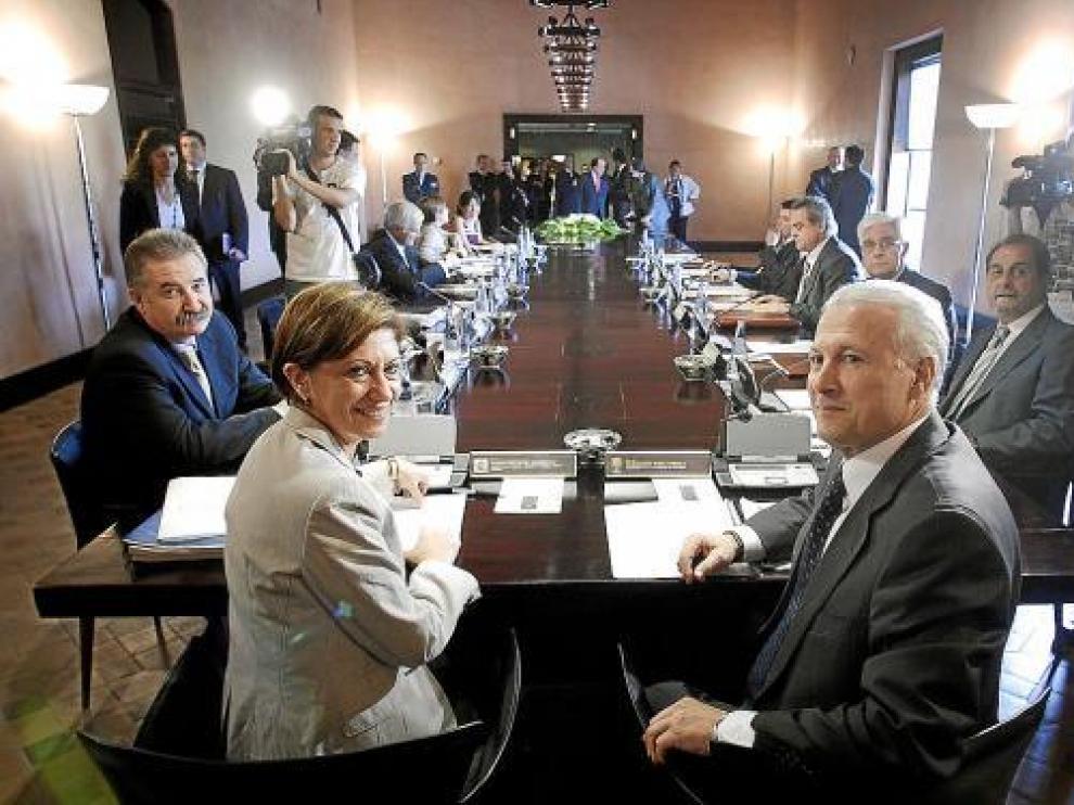 Elena Espinosa y Francisco Pina copresidieron la comisión de seguimiento del Pacto del Agua.