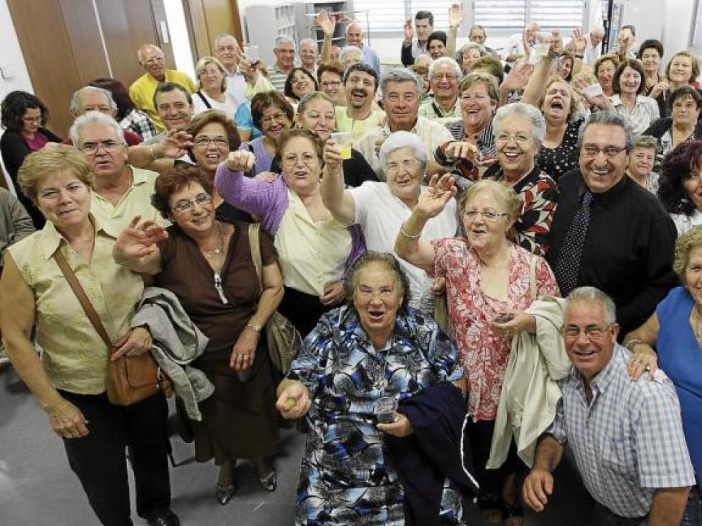 Así se lo pasaron los vecinos de Campillo de Llerena en la presentación del libro, esta semana, en el Centro Polivalente de Valdefierro.