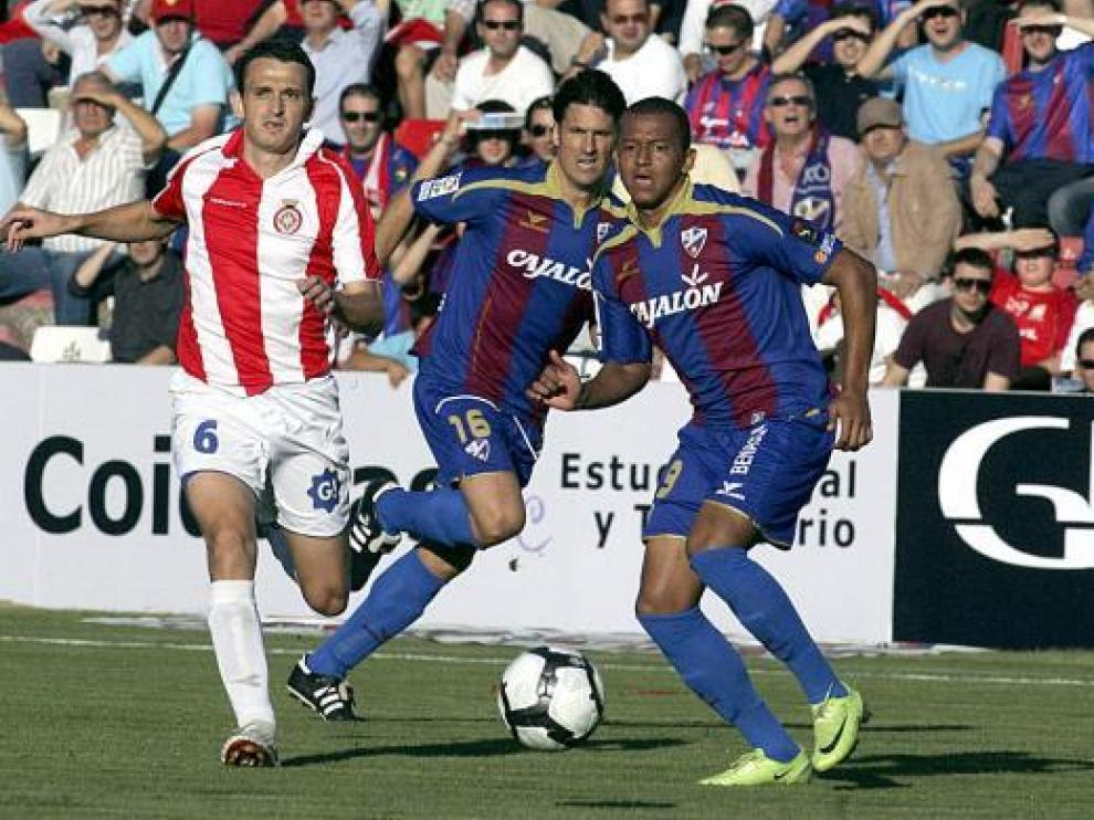 Moisés y Reinaldo, en el partido contra el Girona.