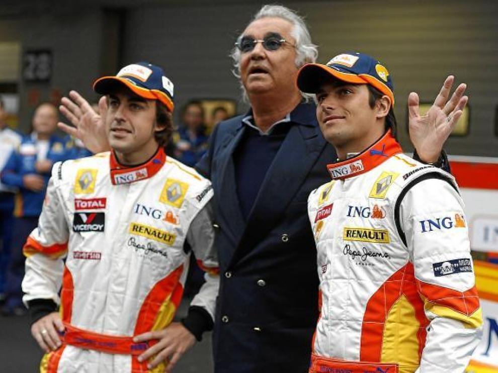 Nelsinho, junto a Briatore y Fernando Alonso.