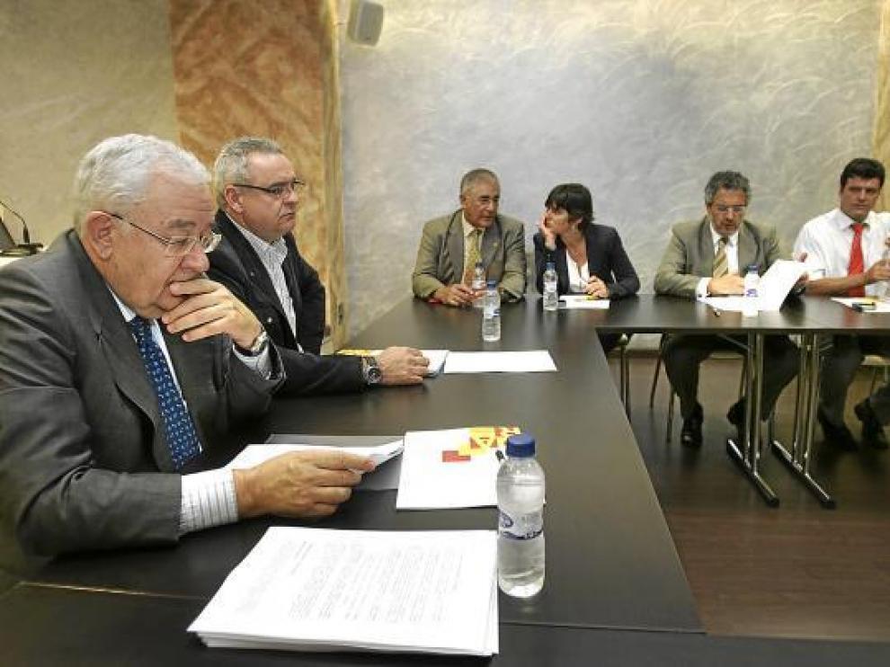 Biel y Boné, a la izquierda, presidieron la reunión de la Comisión Ejecutiva del PAR de ayer.