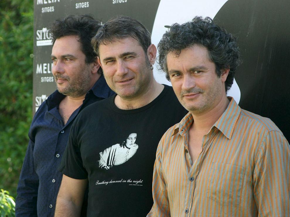 El actor español Sergi López (c), acompañado por los hermanos y cineastas franceses Arnaud (i) y Jean Marie Larrieu.