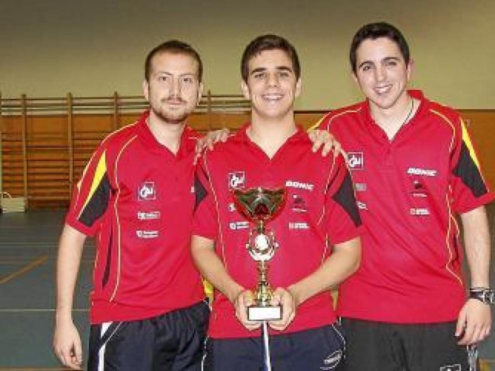Contreras, Luño y Cardona, del CAI Santiago.