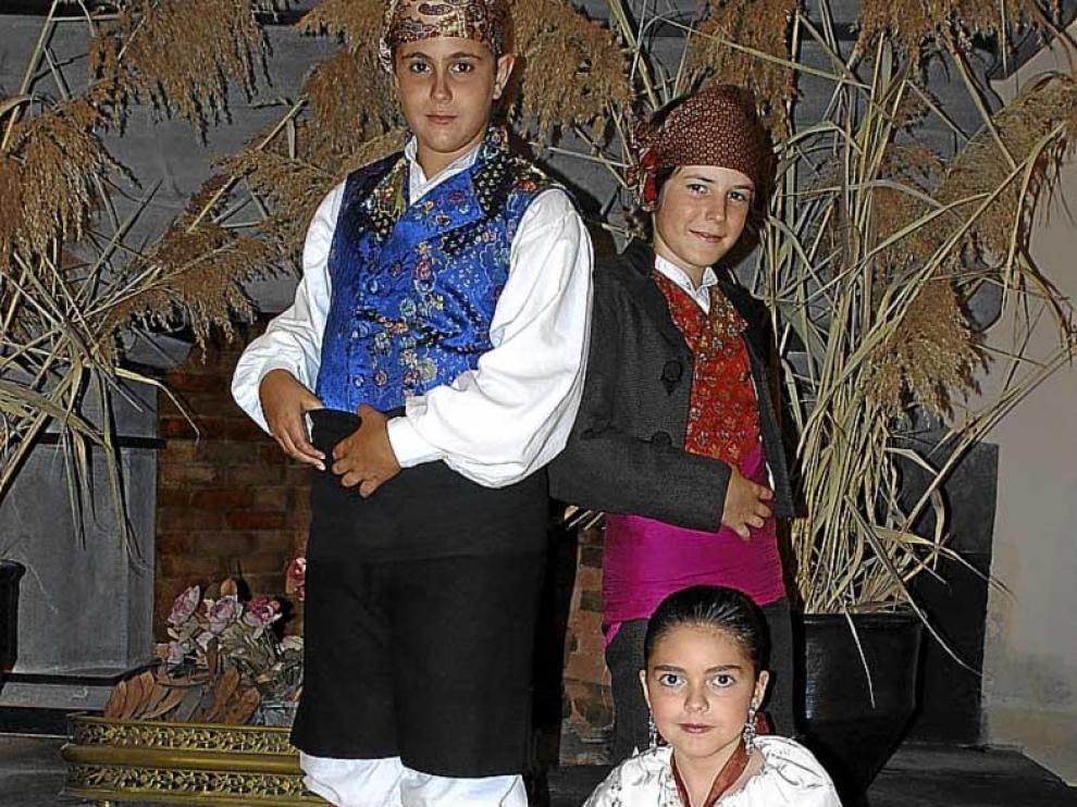 'Menuda jota', el disco de tres pequeños y grandes cantadores de Épila