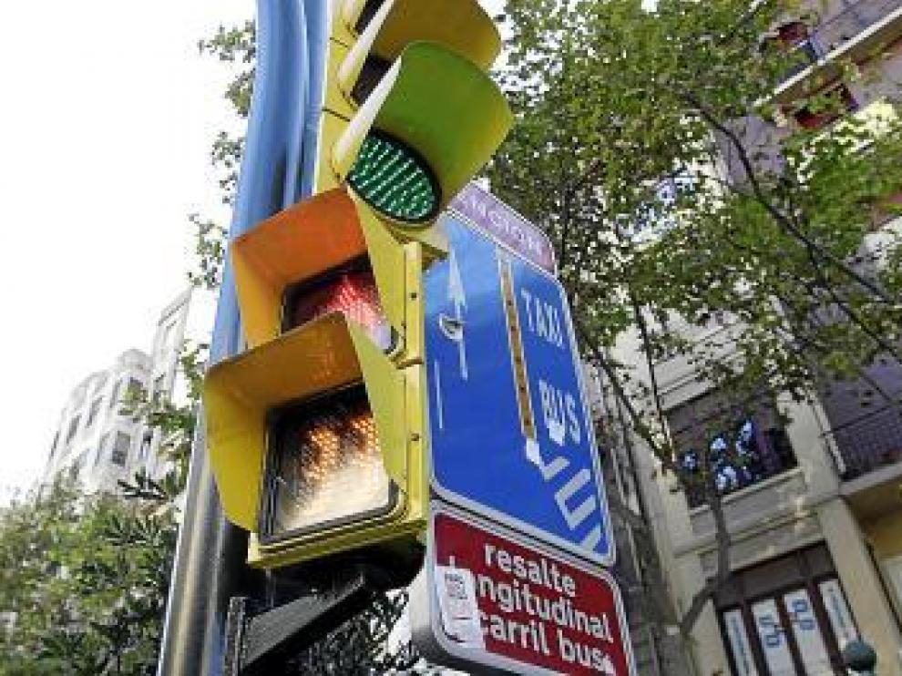 Uno de los nuevos semáforos instalados ayer.