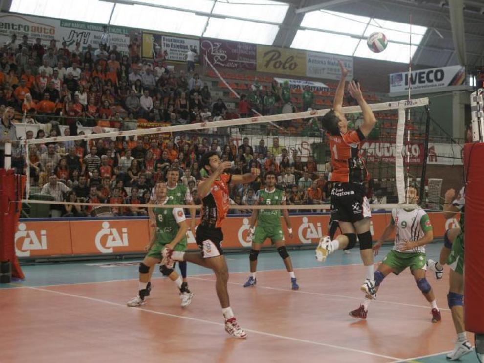 Un momento del partido de Supercopa del pasado 3 de octubre entre el CAI Teruel y el Unicaja.