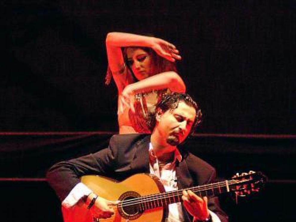 Alejandro Monserrat en concierto, con Carlota Benedí.