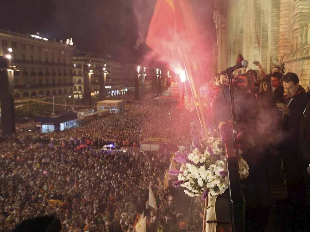 Multitudinario arranque de las fiestas del Pilar