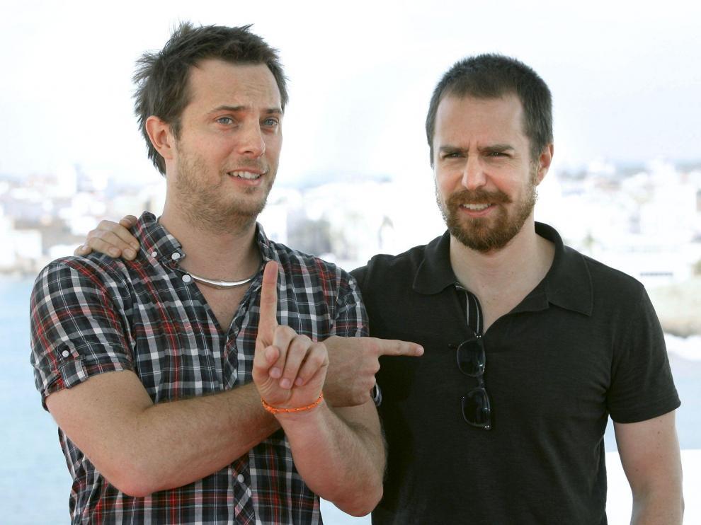 El director británico Jones (izquierda) y el actor norteamericano Sam Rockwell, hace unos días en Sitges.