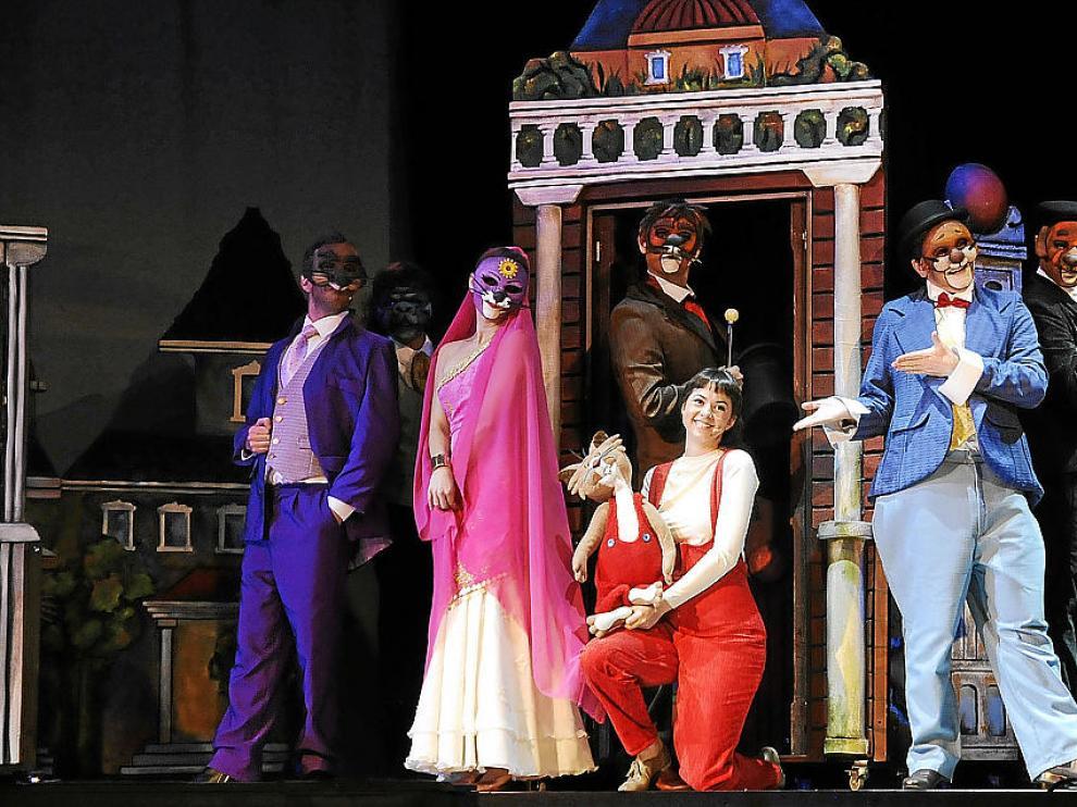 Rigodón, Tico, Romy, Transfer..., personajes de ayer que cobran vida sobre el escenario.