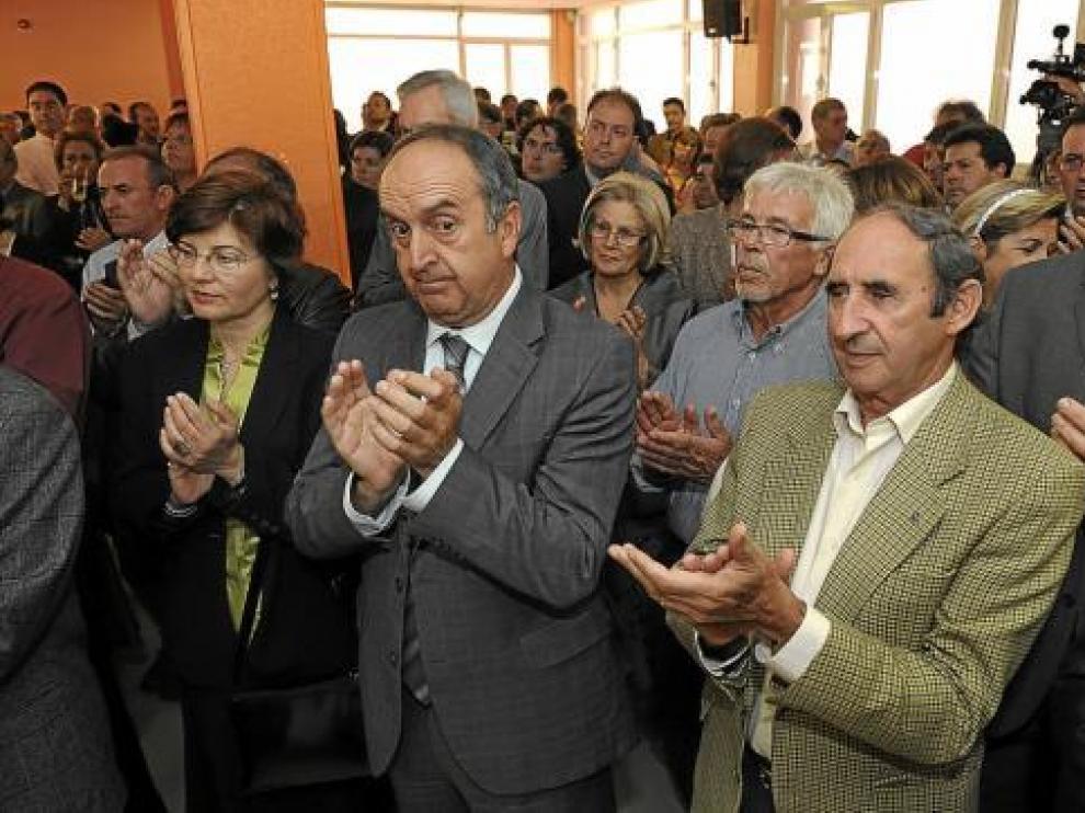 Alcaldes de la provincia y acompañantes durante el acto institucional celebrado ayer.