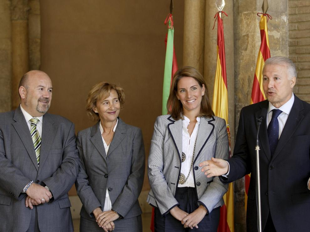"""Quiroga dice que """"cabe una reflexión"""" sobre el rechazo del PP en el Congreso al blindaje del cupo vasco"""