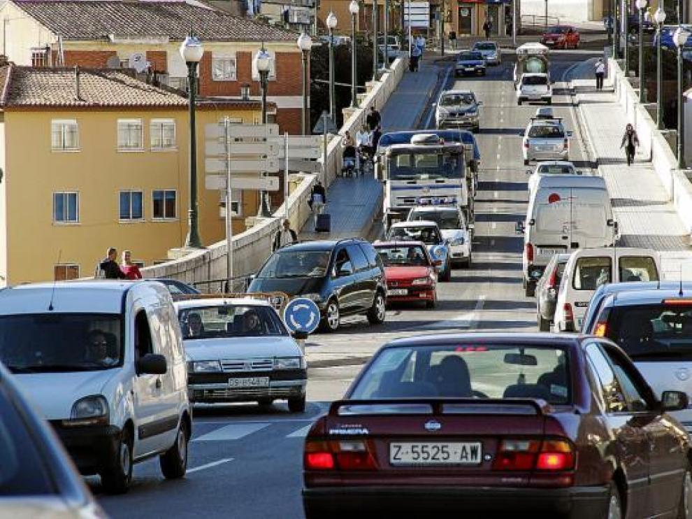 El impuesto de circulación de vehículos es uno de los que se congelarán en 2010.