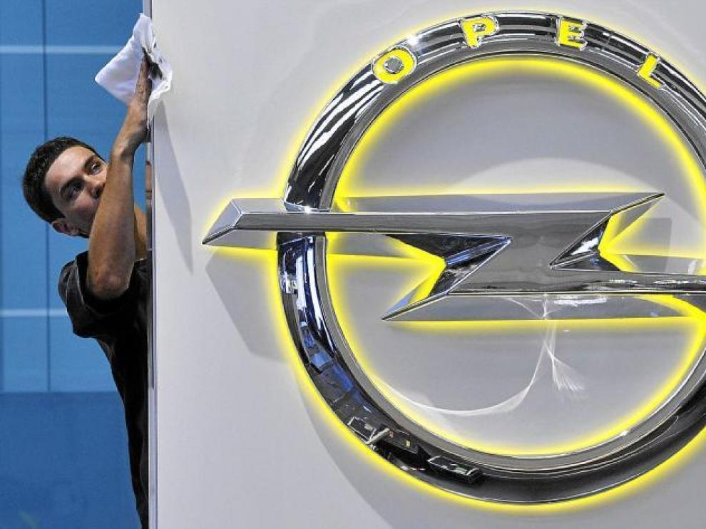 Logo de Opel presentado durante el Salón del Automóvil de Fráncfort