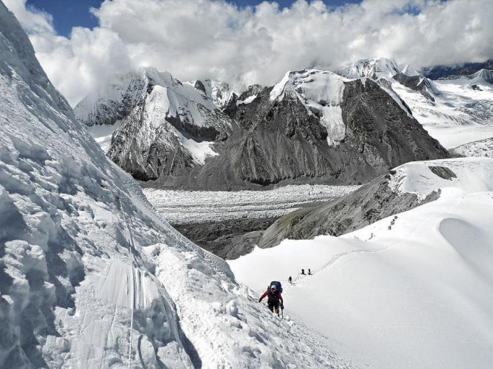La imagen que rodea la montaña