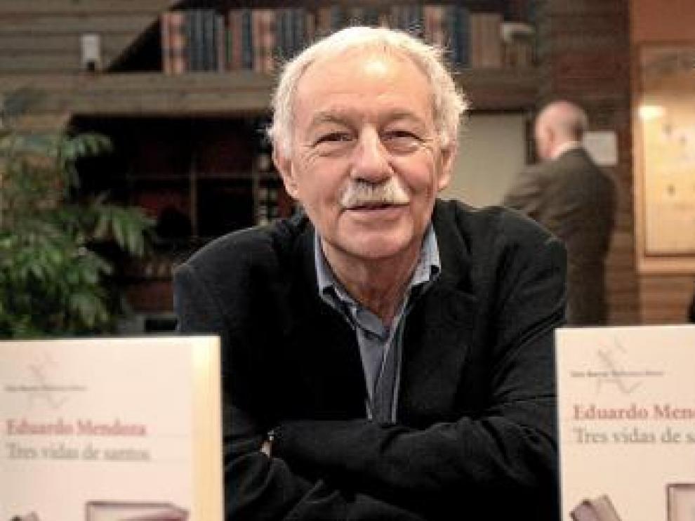 El escritor Eduardo Mendoza, ayer, en Barcelona.