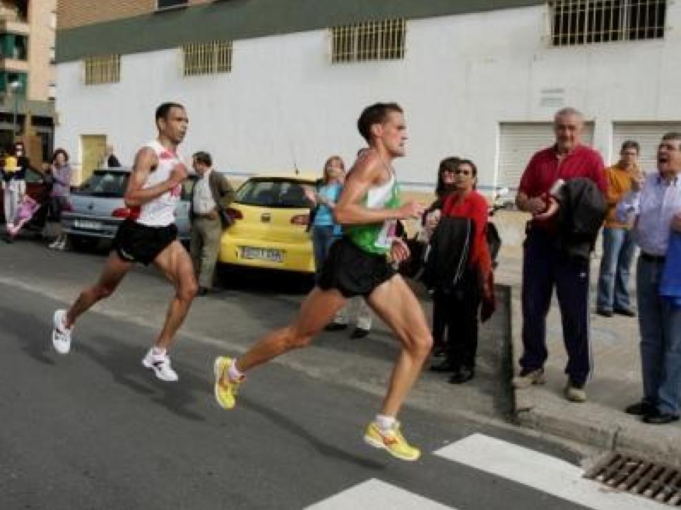 Ciprián gana el medio maratón Ciudad de Huesca