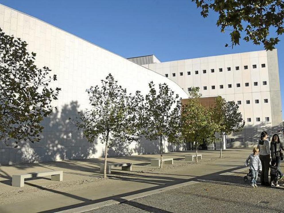 El Auditorio Eduardo del Pueyo se encuentra en el edificio del Conservatorio Superior de Música de Aragón.