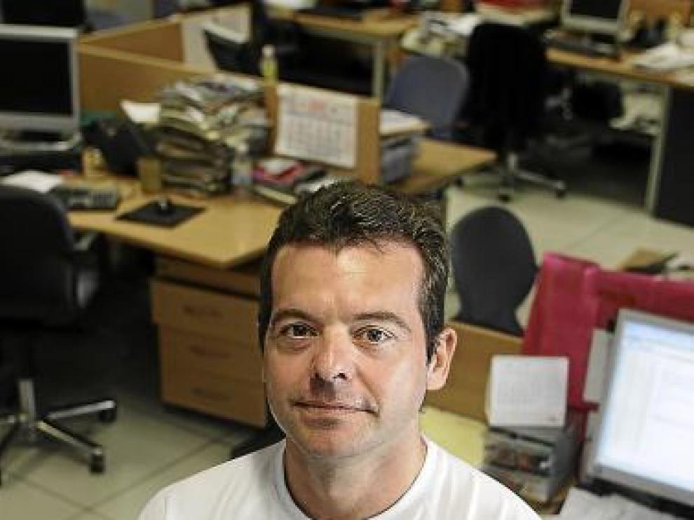 Antonio Gascón, en la redacción de Heraldo.