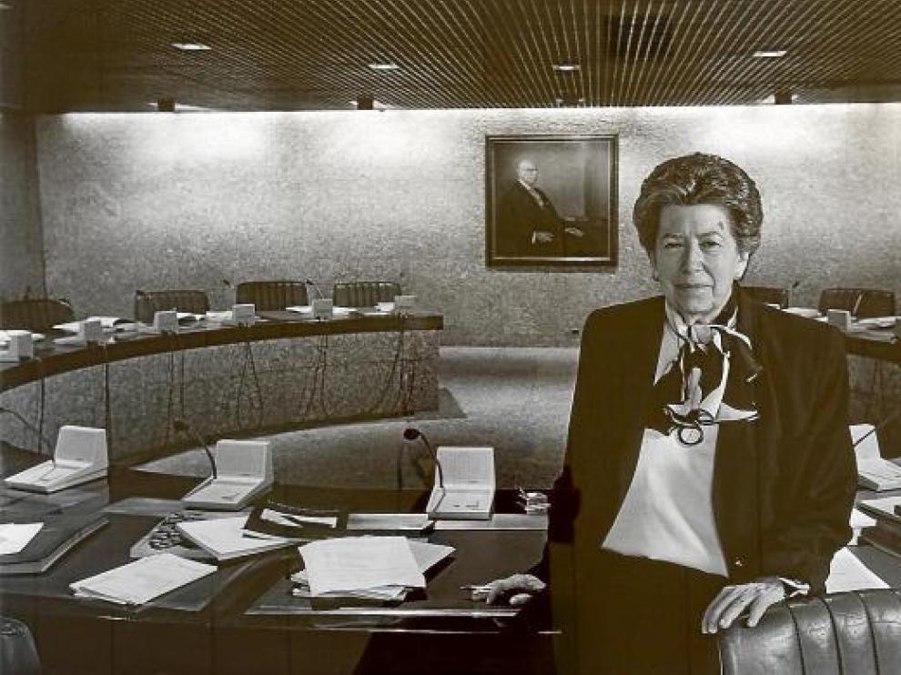 Carmela Arias y Díaz de Rábago, en la sede de Banco Pastor en Madrid, en 1998.