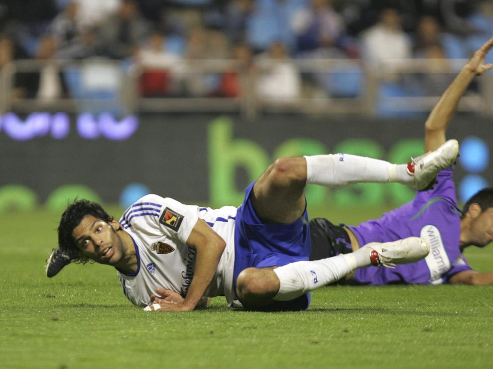 Lafita sigue con su mirada su remate en plancha que dio el gol al Real Zaragoza