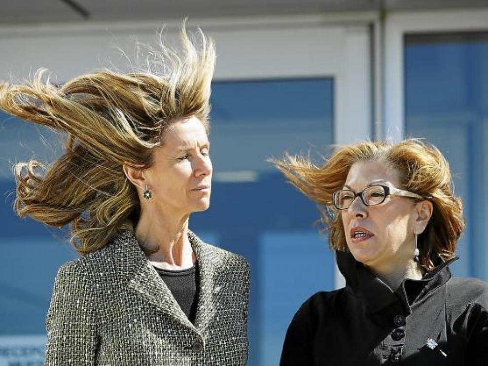 La ministra Cristina Garmendia -izquierda-, el día que dijo que el Instituto estaría en 2009.