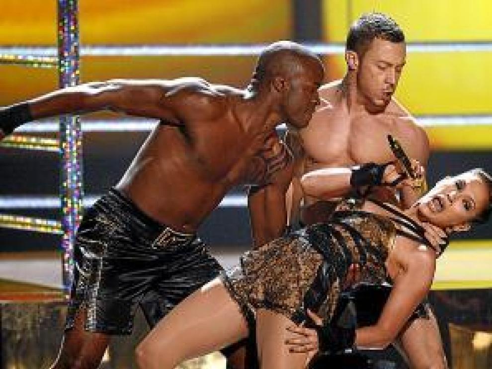 Jennifer Lopez montó un ring de boxeo.