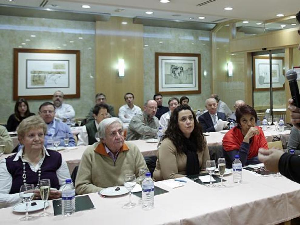 José María Corral durante la charla que ofreció en el 'Club del Gourmet'. Las protagonistas fueron las trufas recién recolectadas.