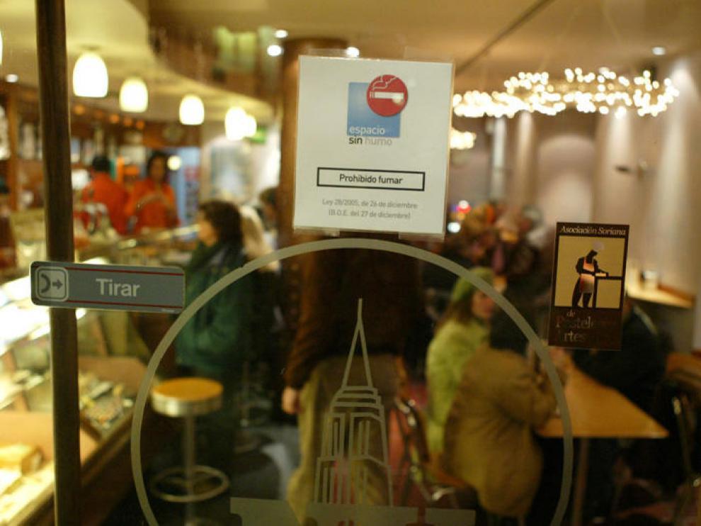 Bar en el que ya está prohíbido fumar.