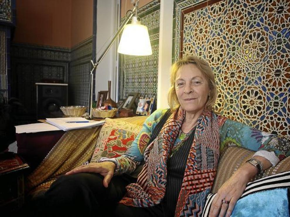 La escritora Soledad Puértolas, ayer, en su casa de Madrid.