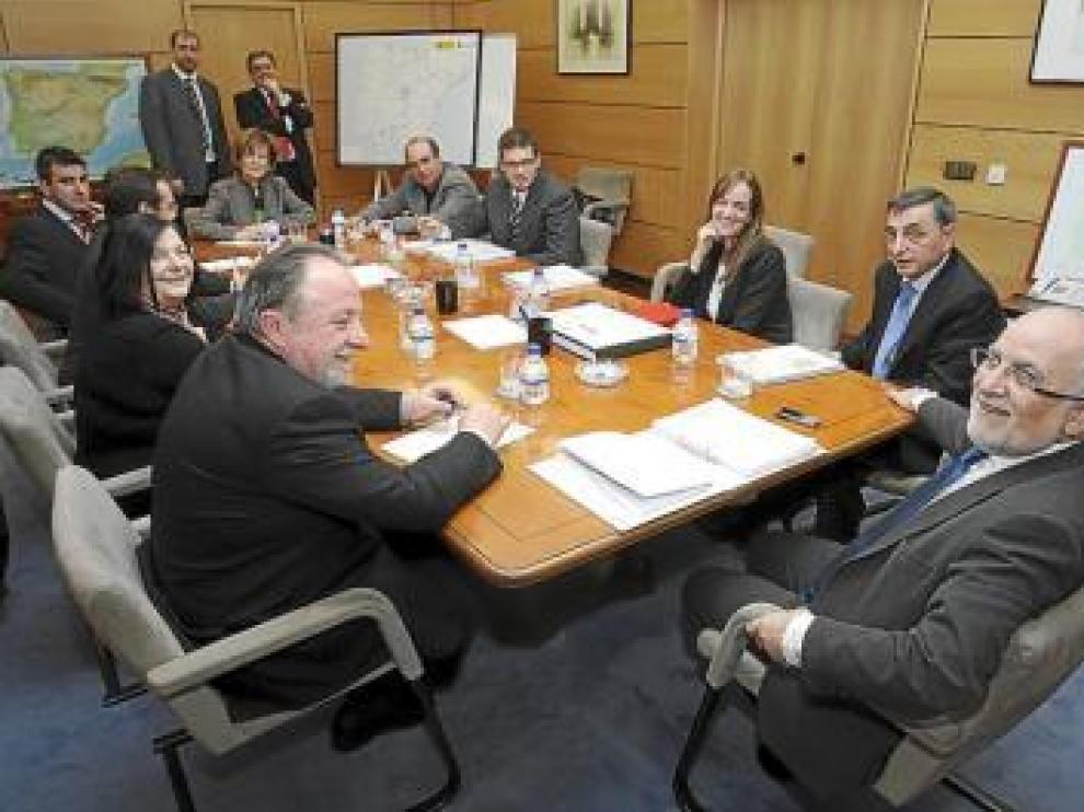 Morlán recibió ayer en Madrid a los representantes de Ribagorza.