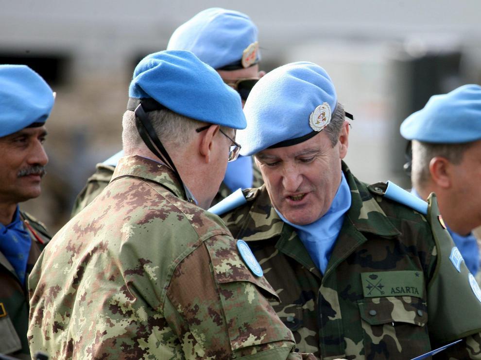 Momento en el que el italiano Claudio Graziano traspasó el mando a Asarta