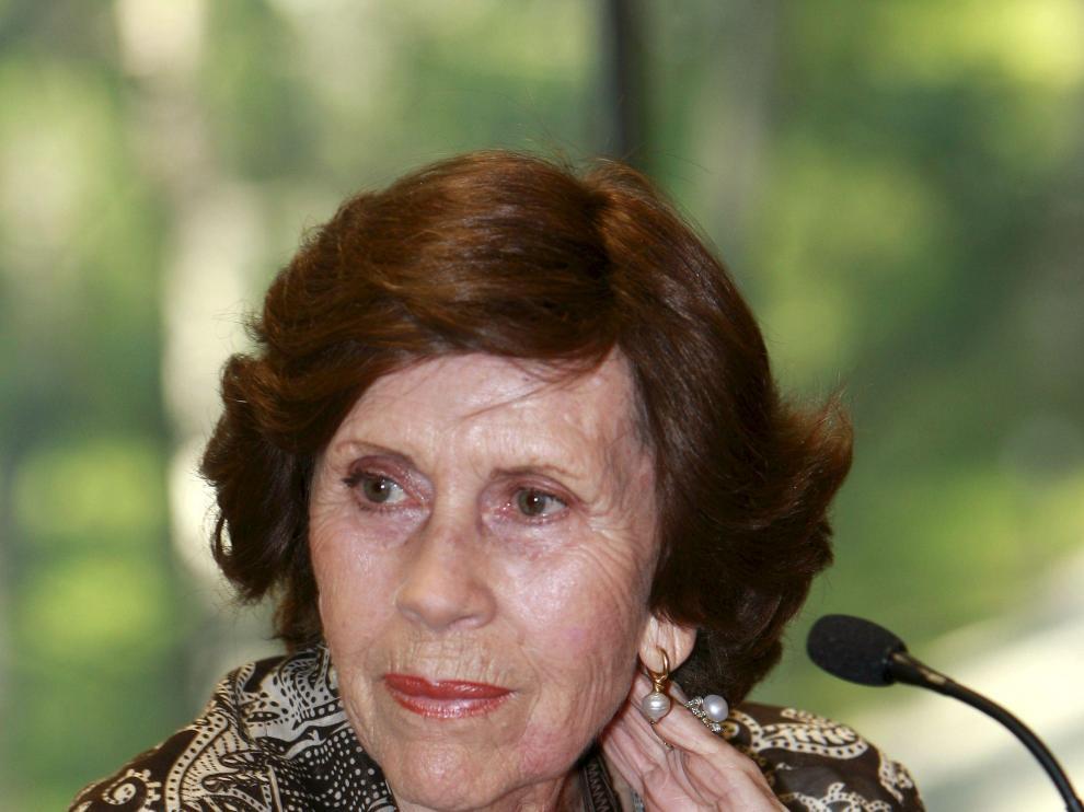 María Rosa Salvador
