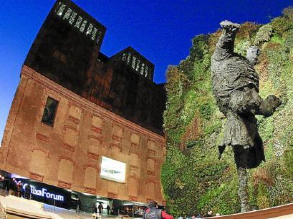 'Gran Elefant dret', la gigantesca escultura de Barceló que se ubica en el centro de Madrid