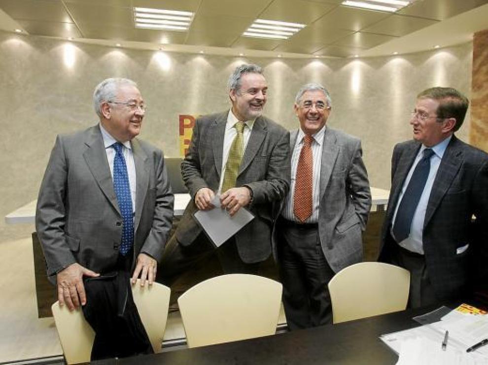 De izda. a dcha., Biel, Boné, Blasco y Mur, en una Ejecutiva del partido hace un año