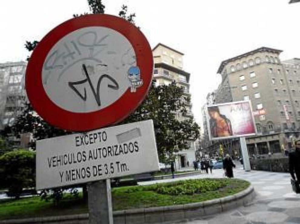 Los vehículos de más de 3,5 toneladas tienen prohibido el paso por el bulevar