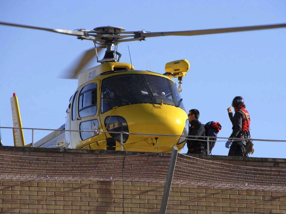 Un helicóptero de rescate colaboró en las tareas de evacuación de los cuerpos