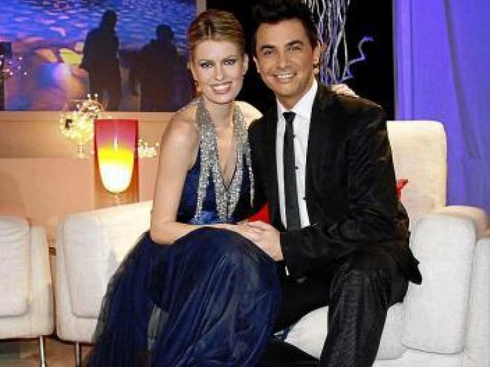 Adriana Abenia y David Civera en la gala de Nochevieja de Aragón TV