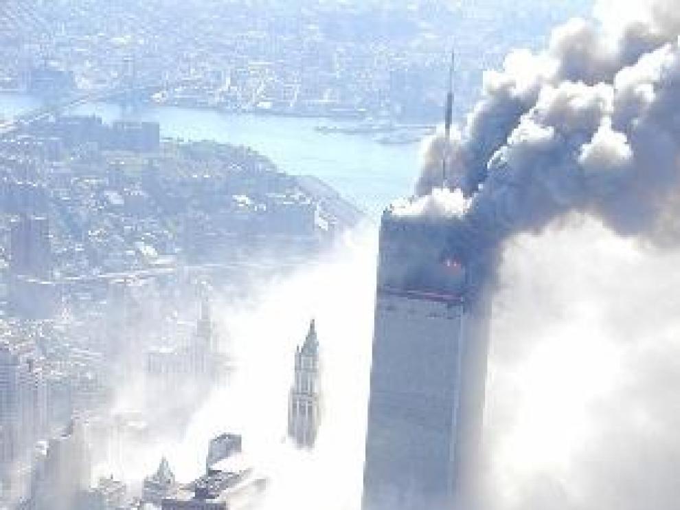 Salen a la luz fotografías aéreas inéditas de la caída de las Torres Gemelas
