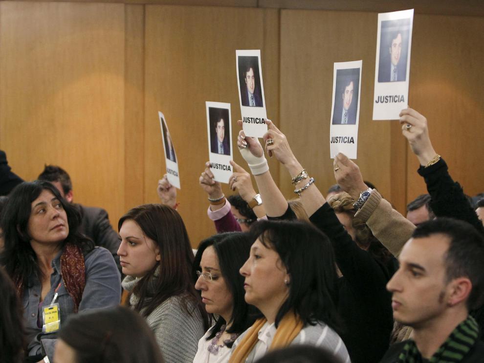 MKostraron fotos de la víctima, pidiendo justicia