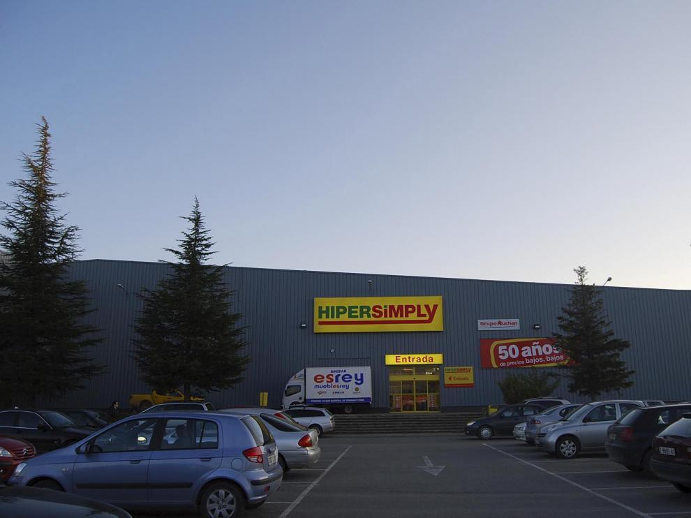 Sabeco de Barbastro, en la foto, no podrá duplicar su superficie comercial.