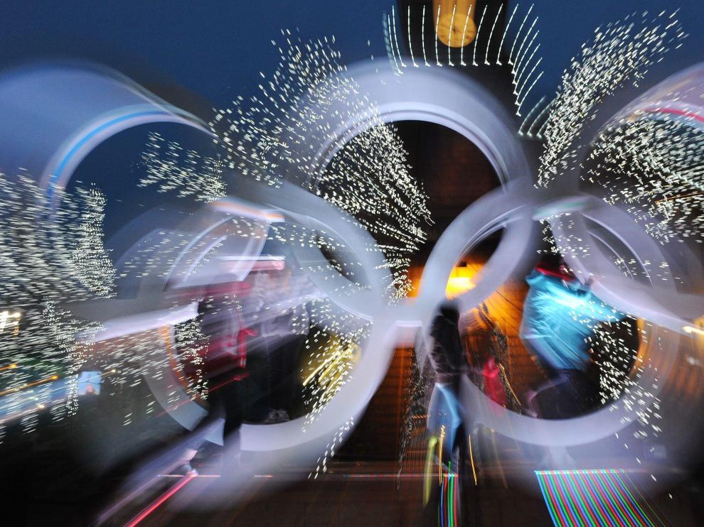 Imagen de los anillos olímpicos, ayer en la villa olímpica de Whistler.