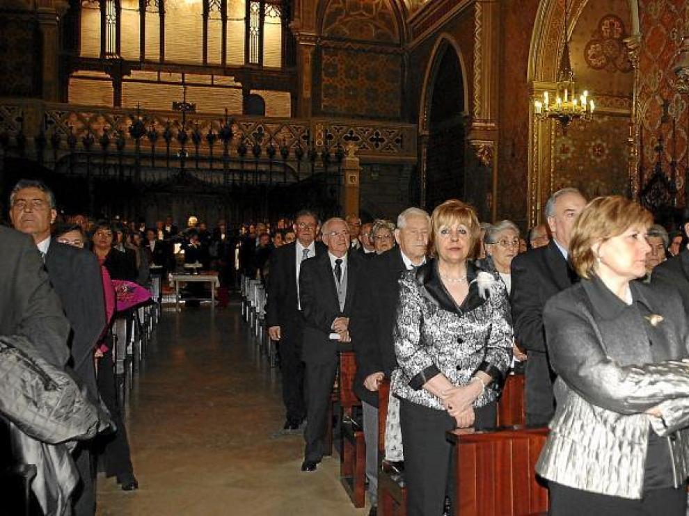Los homenajeados renovaron el sacramento del matrimonio en la iglesia de San Pedro