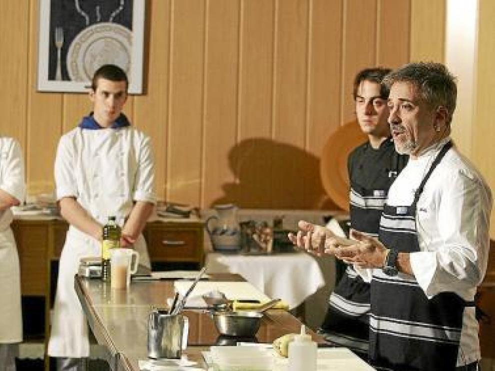 Sergi Arola, durante su clase magistral ayer en Huesca.