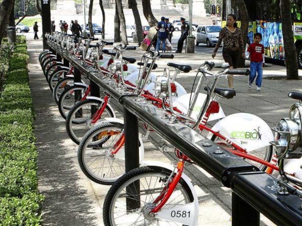Podría ser un rincón de Zaragoza, pero esta estación se encuentra en el centro de México D.F., una de las ciudades más pobladas del mundo.