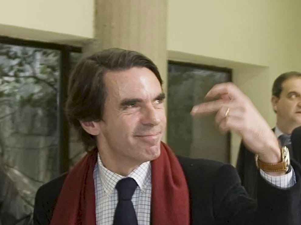 Lluvia de críticas ante el gesto despectivo de Aznar en Oviedo