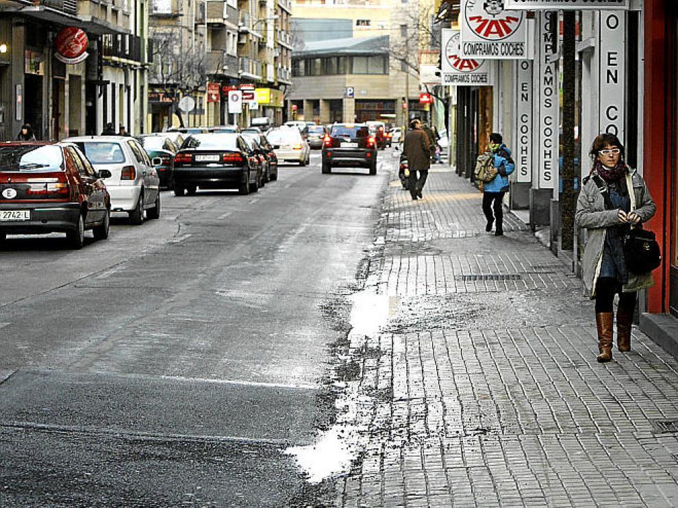 Aceras de la calle Del Carmen, en el centro de la ciudad