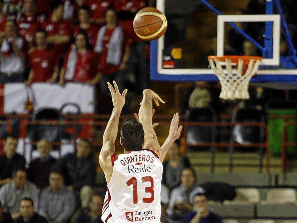 Paolo Quinteros, foco de atención ayer en León, intenta el triple
