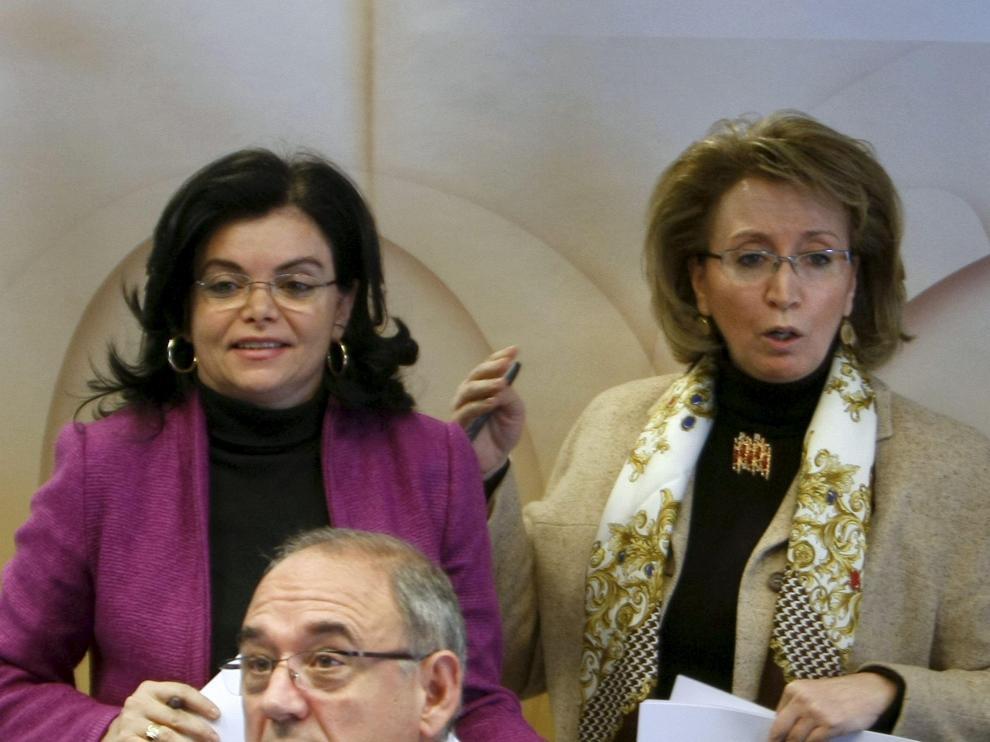 Juan Rodríguez, Ángeles Plancuelo (i) y Carmen Peña, ayer.